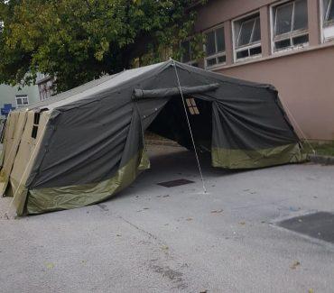 Na klinikama fakulteta postavljeni šatori umjesto čekaonica za vlasnike pacijenata